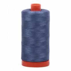 Aurifil Mako Cotton Maschinenquiltgarn 50/2-fach, 1300 m, Fb. 1248 Dark Grey Blue