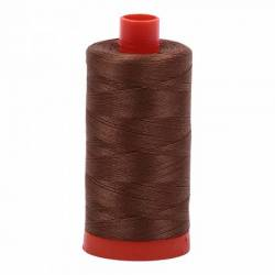Aurifil Mako Cotton Maschinenquiltgarn 50/2-fach, 1300 m, Fb. 2372 Dark Antique Gold